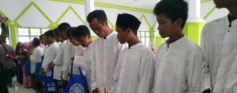 300 إندونيسي يعتنقون الإسلام في يوم واحد