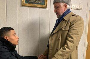 أعلن بيتر دخوله الإسلام بعد نجاته من حادثة هاناو